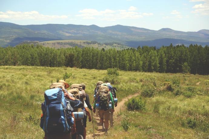 hiking-691738_1920